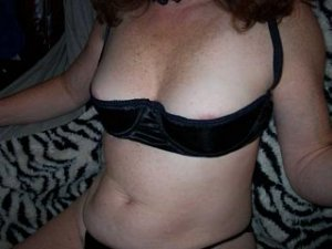 Estelle live escorts in Brunswick, OH